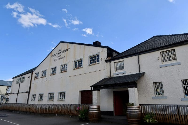Scottish Whisky Tour: Ben Nevis Distillery - Pink Caddy Travelogue